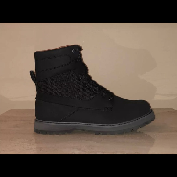 234a0cfaf7f DC Shoes Men's Uncas Lace Up Boots ADYB700009